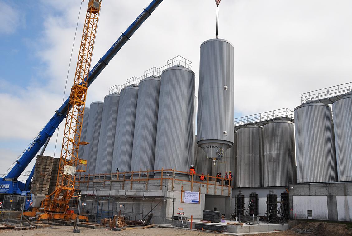 Seit 2015 wird wieder kräftig gebaut – unter anderem kamen neue Gär- und Lagertanks hinzu.