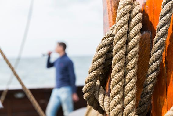 An Bord der Lisa von Lübeck werden ausschließlich Störtebeker Brauspezialitäten ausgeschenkt.