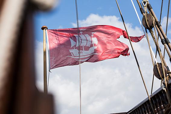 Die Gesellschaft Weltkulturgut Hansestadt Lübeck e.V. sorgt dafür, dass das Schiff jederzeit fahrbereit ist.
