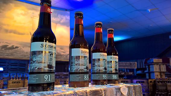 Nur bestimmte Bierstile eignen sich für die Reifung im Holzfass – zum Beispiel die Störtebeker Eisbock-Biere.
