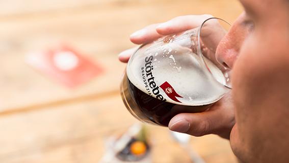 Komplexe Aromen nach Vanille, Süßwein oder Trockenfrüchten machen die veredelten Eisbock-Biere zu echten Genussbieren.