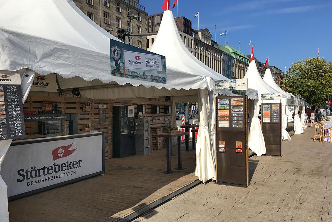 Störtebeker Zelt auf dem Hamburger Jungfernstieg