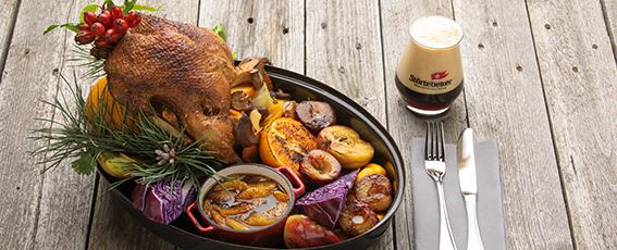 Hauptgang: Knusprige Ente mit Orangensoße zum Schwarz-Bier