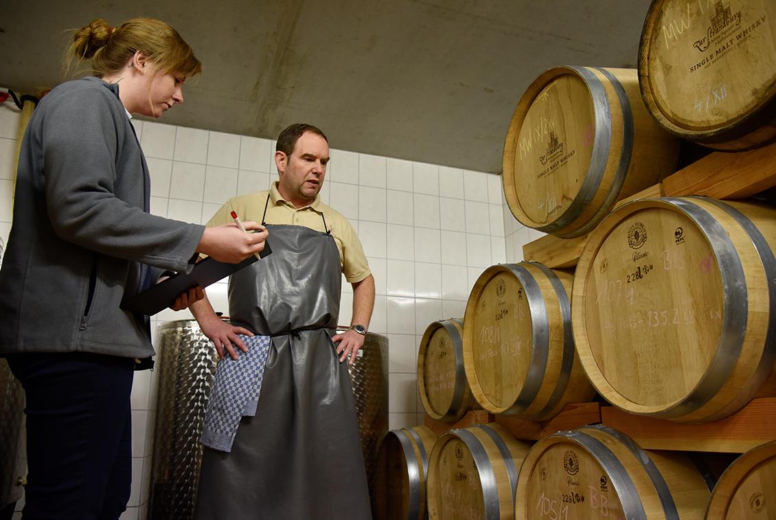 Der Störtebeker Single Malt Whisky reifte seit 2014 in Fässern aus französischer Limousine Eiche.