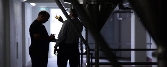 Neue Verfahren zur Herstellung alkoholfreier Biere werden getestet.