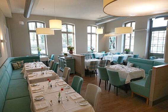 Gemütlich und modern: Der Gastraum des Restaurant MOSHACK