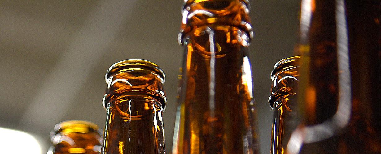 Nur noch Mehrweg-Pfandflschen im Störtebeker Brauereimarkt.