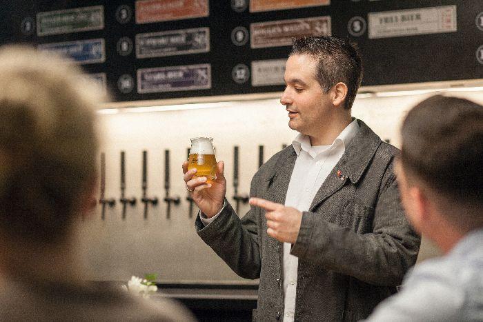 Head Biersommelier in der Elbphilharmonie, Dennis Spahn