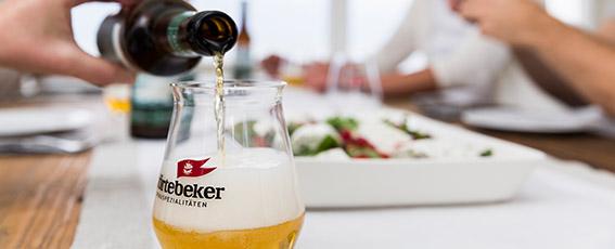 Genießen Sie auf Ihrer Feier kulinarische Köstlichkeiten aus dem Störtebeker Braugasthaus.