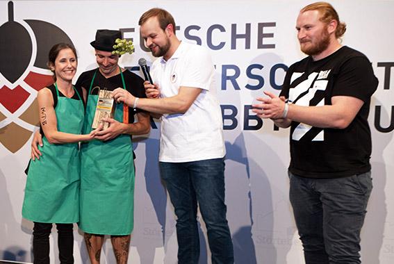 Sie brauten das beliebteste Bier in der Publikumsabstimmung: Die Braugruppe MTB aus Hamburg.