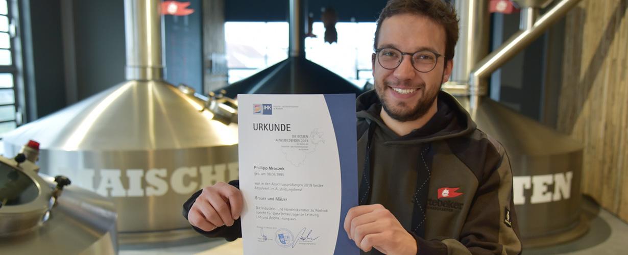 Bester Absolvent im Ausbildungsberuf Brauer und Mälzer wurde Phillipp Mroczek von der Störtebeker Braumanufaktur.