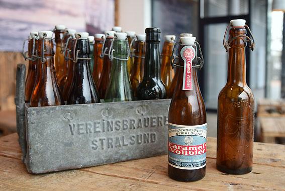 Vor dem Kronkorken wurden auch Vorläufer der heutigen Bügelverschlüsse von den Brauereien eingesetzt.