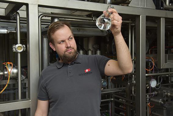 Störtebeker stellt Alkohol für Desinfektionsmittel zur Verfügung.