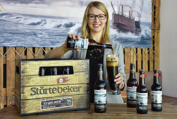 Elisa Raus, amtierende Biersommelier-Weltmeisterin, freut sich über den Medaillenregen beim Craft Beer Award.